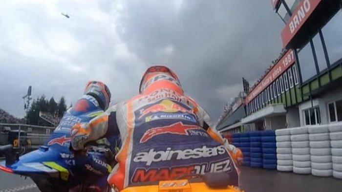 Terekam Kamera, Ternyata Alex Rins Senggol Motor Marc Marquez pada Kualifikasi MotoGP Ceko 2019