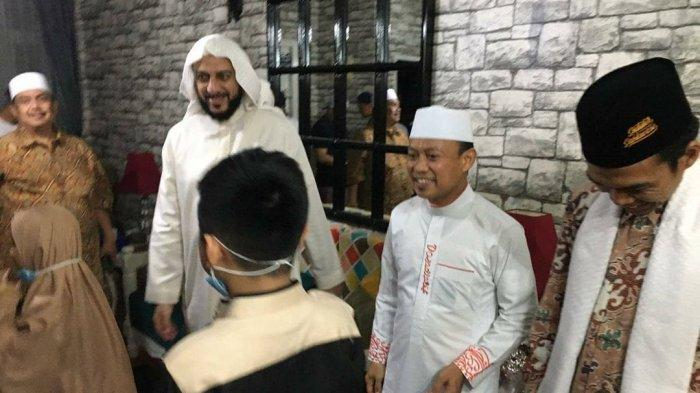 Syekh Ali Jaber Wafat, Ustadz Abdul Somad Kenang Momen Saling Tunjuk Jadi Imam Shalat