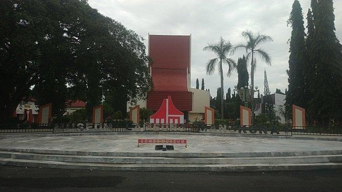Ada Koleksi Mushaf Alquran Tulisan Tangan Ulama Banjar Syekh Muhammad Arsyad Albanjari - museum-lambung-mangkurat-provinsi-kalsel-jalan-a-yani-km355-banjarbaru.jpg