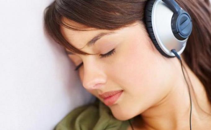 10 Manfaat Mendengarkan Musik, Redakan Stres. Menguatkan Daya Ingat hingga Stamina Tubuh