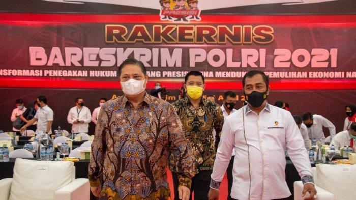 Menteri Perekonomian Airlangga Hartarto Ketua Komite Penanganan Covid-19 dan Pemulihan Ekonomi Nasional (KPCPEN)
