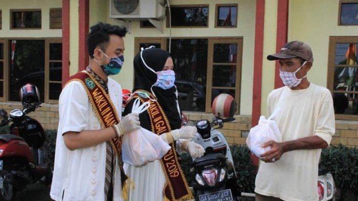 Nanang Galuh Kabupaten HSU berbagi takjil dan sembako