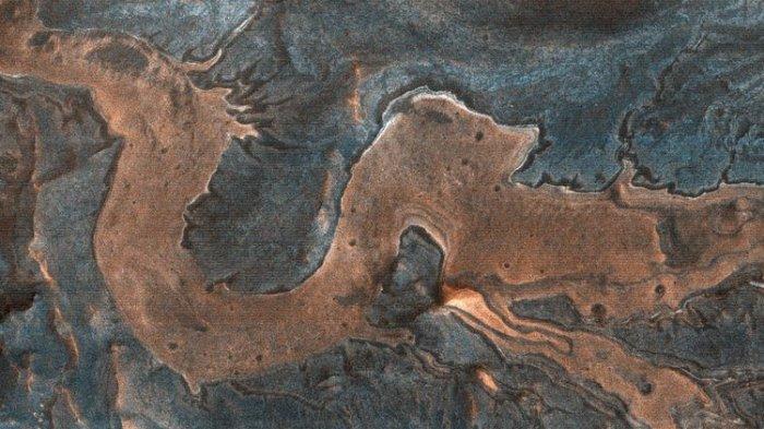 WOW! Ada Penampakan Naga di Permukaan Mars, NASA: Hasil Jepretan Kamera HiRISE