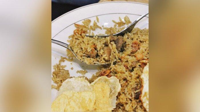 Kuliner Kalsel : Wajib Coba Nasi Goreng Kambing dan Menu Ini di Dapur Ibu Uti