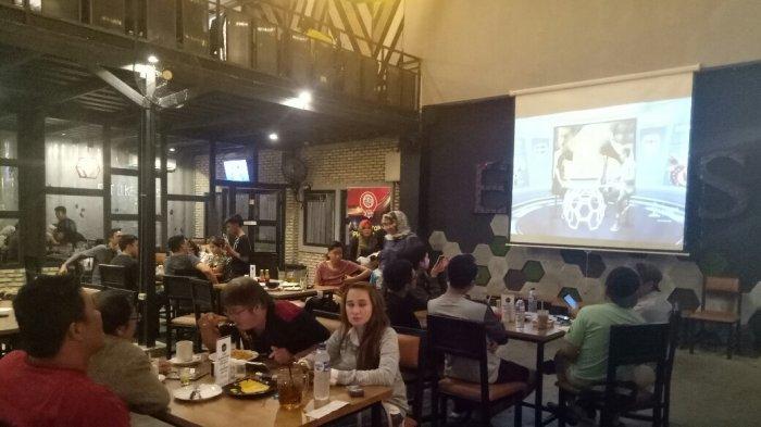 Jelang Nonbar Piala Dunia 2018, Eatboss Cafe Banjarmasin Sediakan Dua Layar Besar