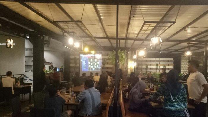 Nonbar Piala Dunia di Eatboss Cafe, Pengunjung Mayoritas Pendukung Inggris