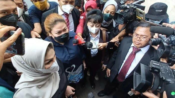 Olivia Nathania penuhi panggilan pemeriksaan di Polda Metro Jaya terkait kasus dugaan penipuan