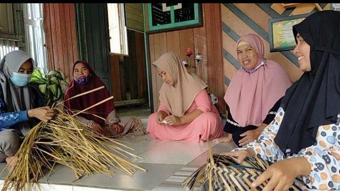 Sempat Sepi, Kini Order Produk Kerajinan Tangan di Kampung Purun Banjarbaru Mulai Ramai