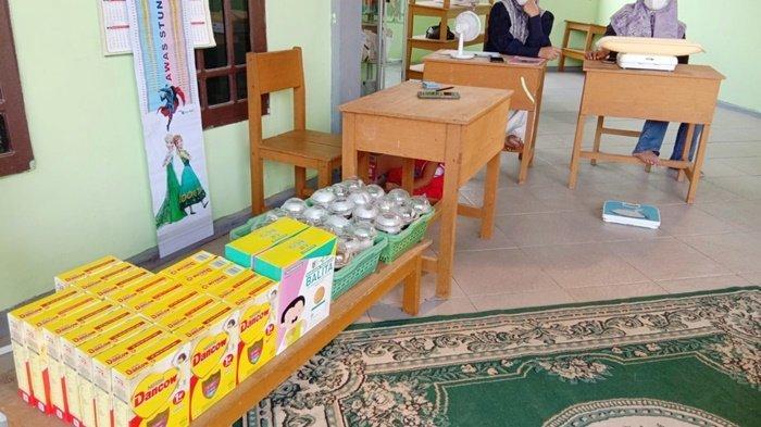 Paket pendukung kesehatan untuk bayi, balita dan ibu hamil di posyandu Kabupaten Tabalong, didukung PT Tanjung Power Indonesia (TPI), salah satu anak perusahaan Adaro Power.