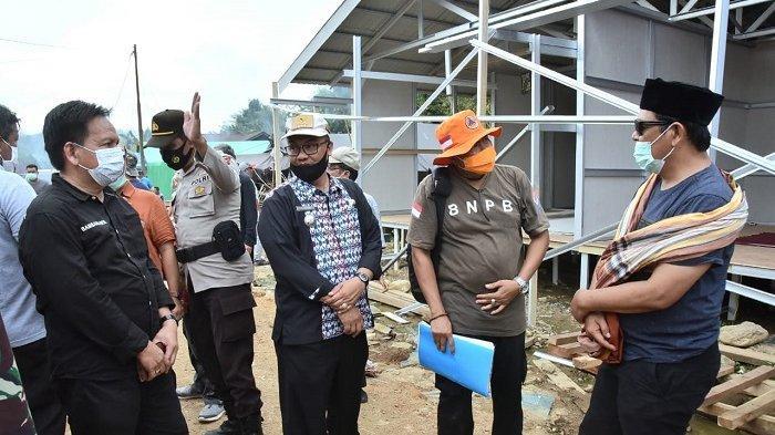 Gubernur Kalsel H Sahbirin Noor meninjau lokasi banjir bandang di Kecamatan Hantakan, HST.