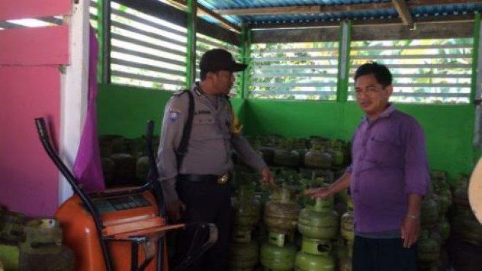 Ada Apa ya? Bripka Rahmani Datangi Pangkalan Penjual Elpiji 3 Kg di Palam