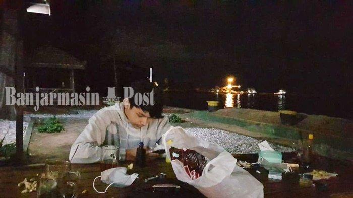 Sepanjang MalamBertabur Cahaya di Pantai Jorong Beach Galam Kabupaten Tala