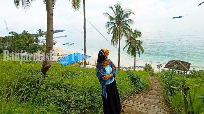 Wisata Kalsel, Pengunjung Pun Terkesan pada Keramahan Warga Pantai Teluk Tamiang Kotabaru