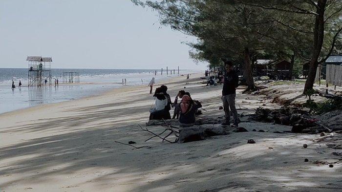 Wisata Pantai Ujung Pandaran Teluk Sampit Kotim Kembali Dibuka, Warga Senang Bisa Menikmati Pantai