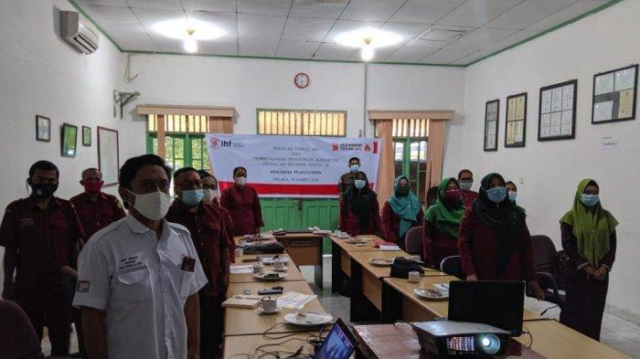 Para guru peserta seminar online yang berada di Riau