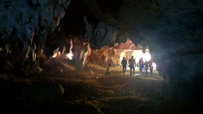 Penggalan Tubuh Ular yang Bertapa di Liang Kantin Konon Menjadi Batu, Ini Ceritanya