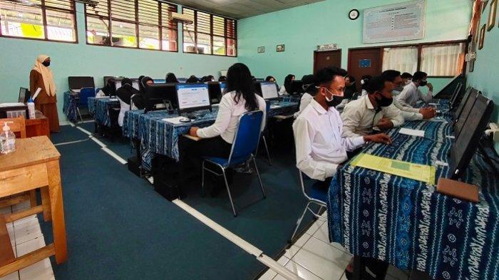 Ikut Tes PPPK 2021, Guru Honorer di Banjarbaru Ini Sebut Soanya Lebih Muda dari Tes SKD CPNS