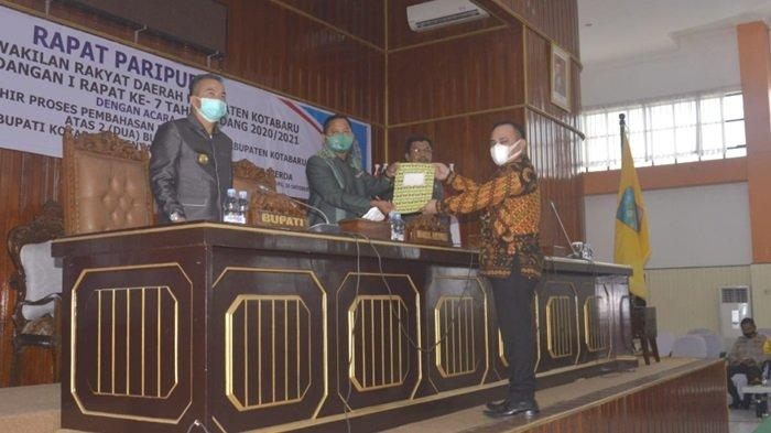 Paripurna DPRD Kotabaru pengesahan dua raperda, Senin (26/10/2020)