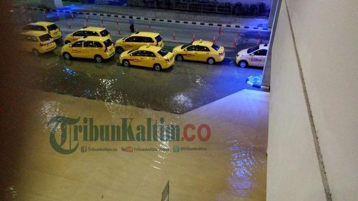 Video Petugas Membersihkan Bandara Sams Sepinggan Balikpapan Dari Genangan Banjir Banjarmasin Post