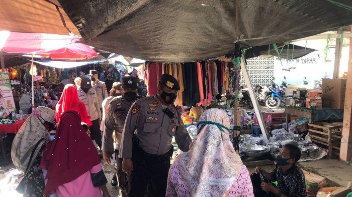 Giliran Pasar Kapar Tabalong Jadi Sasaran Operasi Yustisi, Tujuh Warga Kedapatan tak Bermasker
