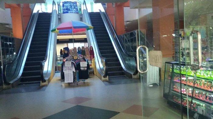 Wisata Kalsel, Eskalator di Pasar Modern Amuntai Digunakan Sebagai Tangga