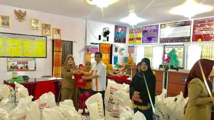 Pasar Murah di Kelurahan Tanjung Pagar, Hujan Tak Surutkan Antusias Warga