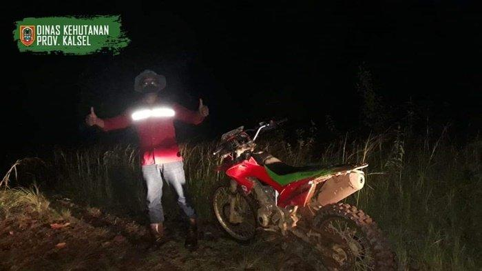 Patroli malam di Tahura Sultan Adam Kalimantan Selatan.