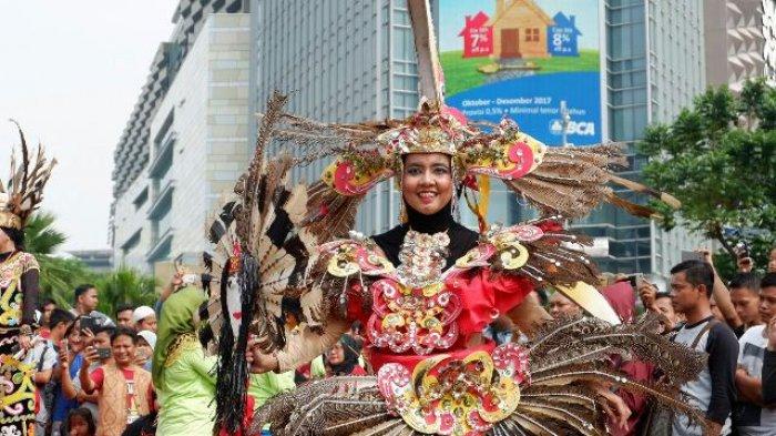 Kereen! Pawai Pesona Budaya Tabalong Jadi Tontonan Warga Jakarta