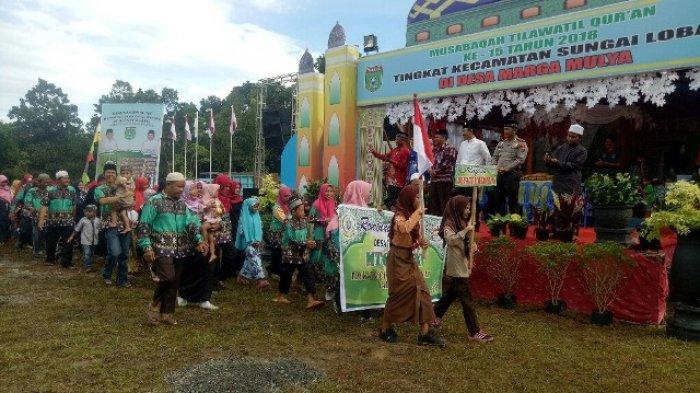 1.798 Kafilah Ikut Pawai Ta'aruf dengan Berkeliling Desa Marga Mulya
