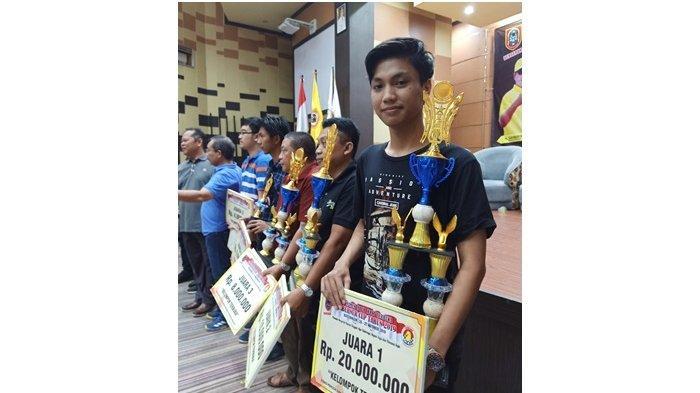 Kalahkan Pecatur Master Fide dan Internasional, Fauzi Boyong Piala Paman Birin Cup dan Rp 20 Juta