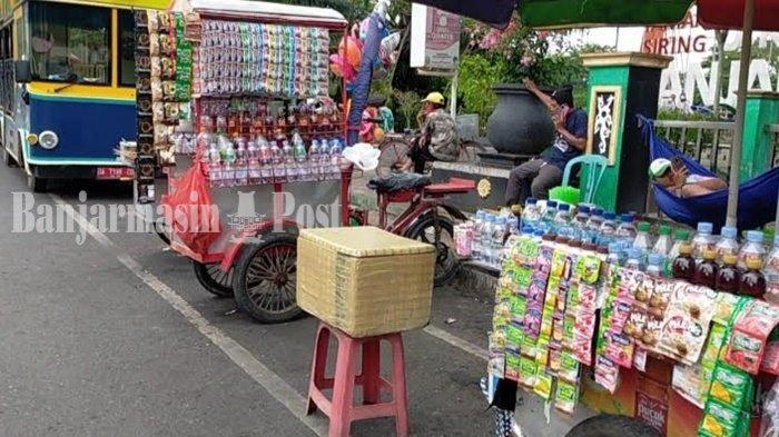 Pedagang Kaki Lima di Siring Nol Kilometer Banjarmasin Sebut Usaha Mulai Membaik