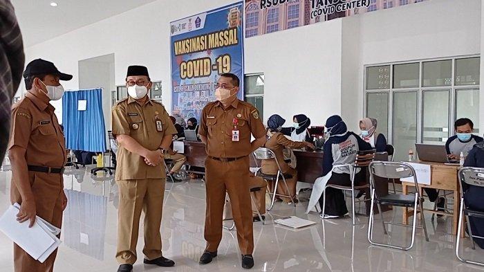 Bupati Tabalong Tinjau Vaksinasi Perdana di RSUD H Usman Dundrung Tanjung