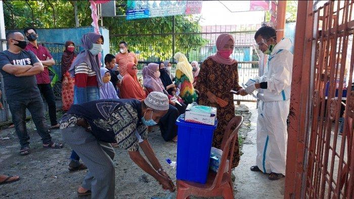 PSU Pilgub Kalsel 2020, Pemilih Sudah Antre Sebelum TPS Dibuka di Banjarmasin Selatan