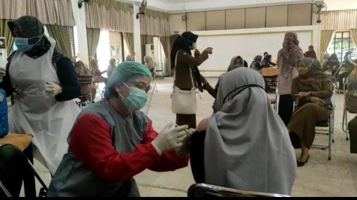 Vaksinasi Covid-19 Guru di Tabalong Digencarkan, Dukung Rencana PTM Juli Nanti