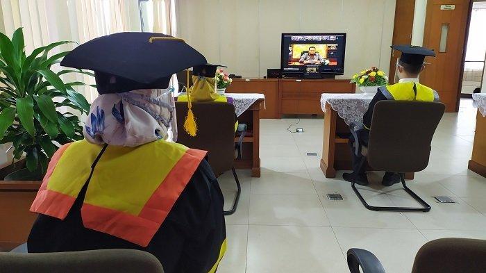 Pelaksanaan Wisuda Daring secara nasional kantor UT Banjarmasin.