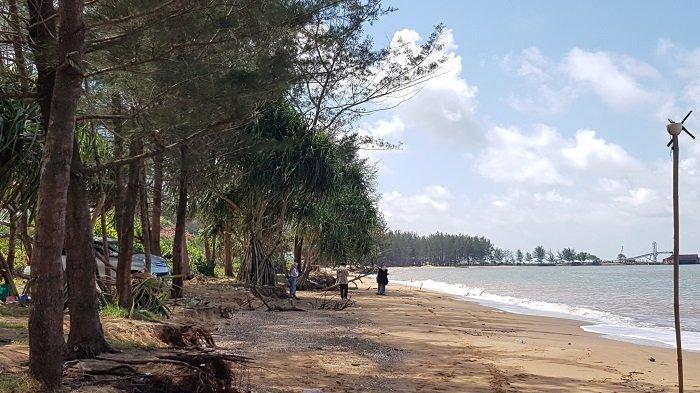 Wisata Kalsel : Pasir di Pantai Turki Lembut dan Padat, Pelancong Nyaman Jalan-jalan di Pesisir