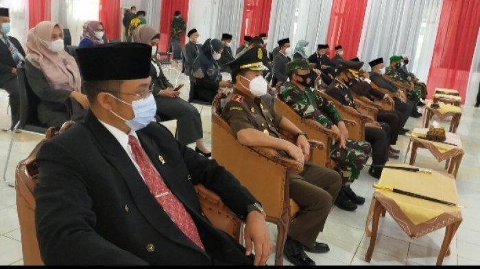 Pelantikan Bupati dan Wakil Bupati HST Dihadiri Secara Virtual Anggota DPRD dan Forkopimda