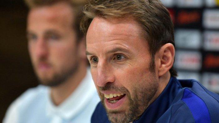 Pelatih Inggris, Gareth Southgate, berbicara dalam konferensi pers di Tottenham Hotspur Training Ground, Enfield, Inggris, pada 4 Oktober 2017.
