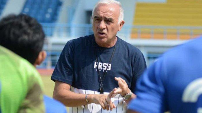Nama Simon McMenemy Muncul Sebagai Pengganti Mario Gomez di Persib Bandung, Nasib Bhayangkara FC?