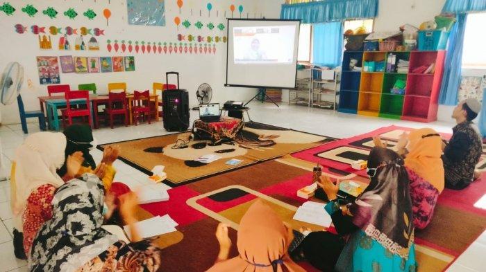 Pelatihan belajar dari rumah diadakan Adaro, diikuti 63 sekolah PAUD di Kabupaten Tabalong, Balangan, Banjar, Banjarmasin, Batola hingga Murung Raya.