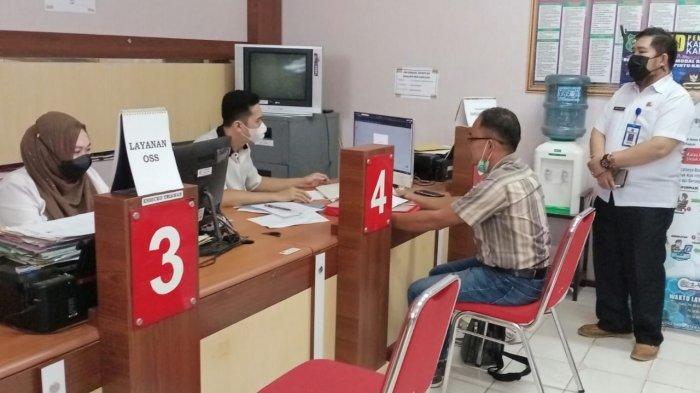 Warga Berurusan di Kantor DPMPTSP Kapuas Diminta Tetap Prokes