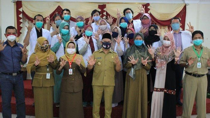 Pelepasan dokter PIDI Angkatan VIII di mess Bupati Hulu Sungai Utara (HSU).