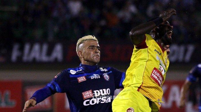 Cristian Gonzales Hattrick, Arema Memimpin 4-0 atas Borneo