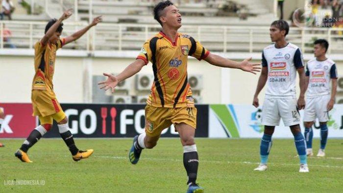 Link Live Streaming Mitra Kukar vs PS Tira via Vidio.com Liga 1 2018 Pekan 32 Malam Ini