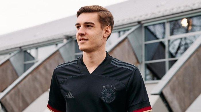 Pemain Timnas Jerman Florian Neuhaus. Ia disebut-sebut digaet Liverpool pada bursa transfer 2021/2022