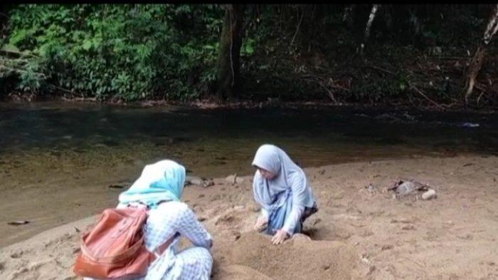 Wisata Kalsel : Nyaman untuk Ngadem Dikala Terik, Desa Atiran Asyik Pula Buat Mandi dan Main Air