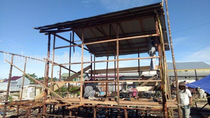 Warga Gotong Royong Bangun Rumah Korban Kebakaran di Kabupaten Kotabaru