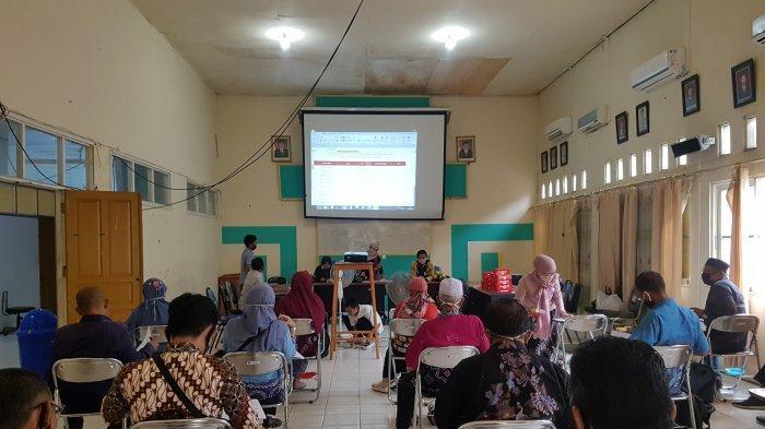 Delapan Belas Sekolah di Kabupaten Tapin Digratiskan Kuota, Ini Respon Kepsek SMPN 1