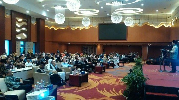 Rektor UIN Antasari Mujiburrahman : Era Industri Bukan Berarti Budaya Lokal Keagamaan Hilang