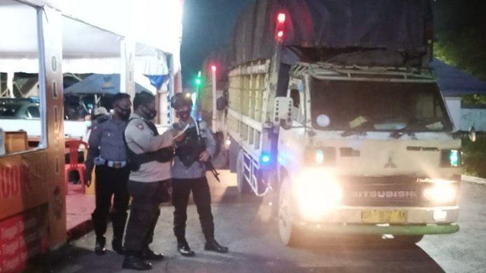 Pos Perbatasan Kalselteng di Kapuas Dijaga 24 Jam, Lebih 100 Kendaraan Diminta Putar Balik